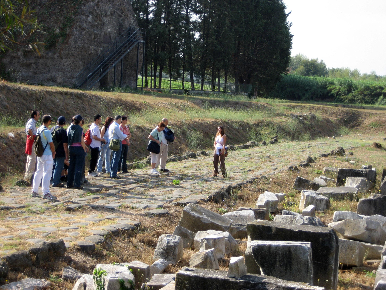visita-area-archeologica-grottarossa