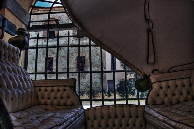Poco prima di salire verso il Santuario del Sorbo, il Cremera accoglie il Fosso della Mola dei Monti che arriva da Campagnano. All'origine troviamo un rudere, un tempo Granaio e dirimpetto Il Postiglione, oggi ristorante, un tempo Antica Posta dei Chigi.